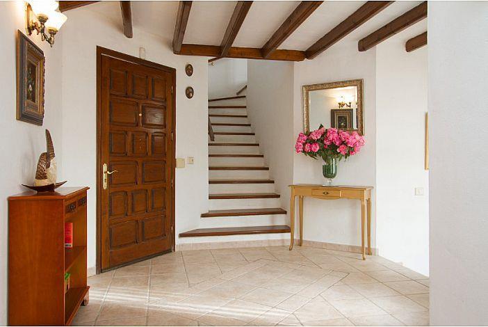 4 Bedroom Villa with Pool in La Asomada, Sleeps 8
