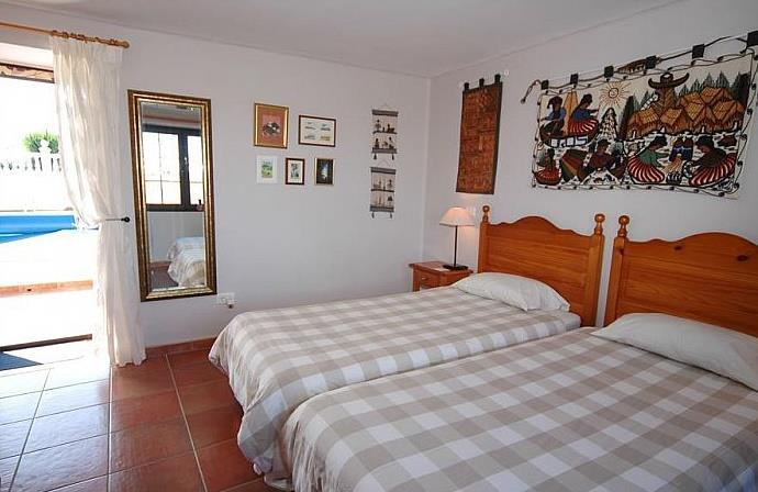 4 Bedroom Villa with Pool in Macher, Sleeps 8-10