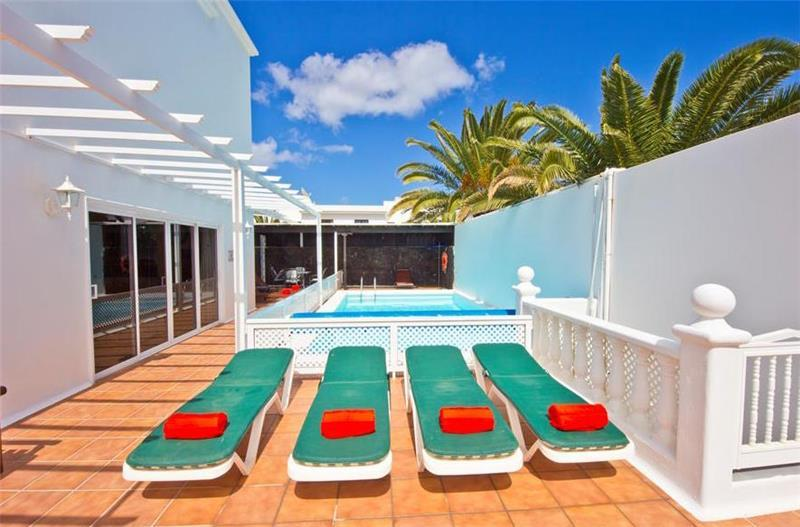 4 Bedroom Villa with Pool in Costa Teguise, Sleeps 8-10