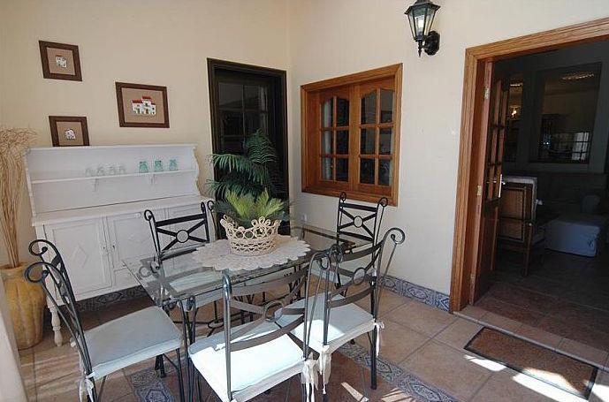 4 Bedroom Villa with Pool in Costa Teguise, Sleeps 8-9