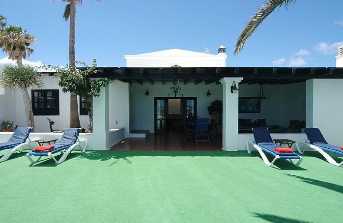 3 Bedroom Villa with Pool in Costa Teguise, Sleeps 6