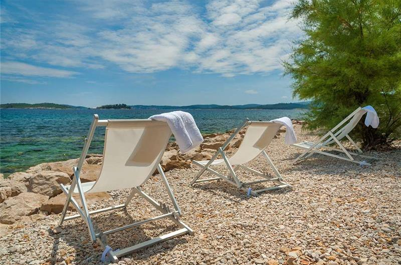 1 Bedroom Croatia Beach House in Orebic, Sleeps 2-4