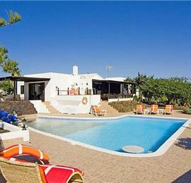 5 Bedroom Villa with Pool in Macher, Sleeps 10