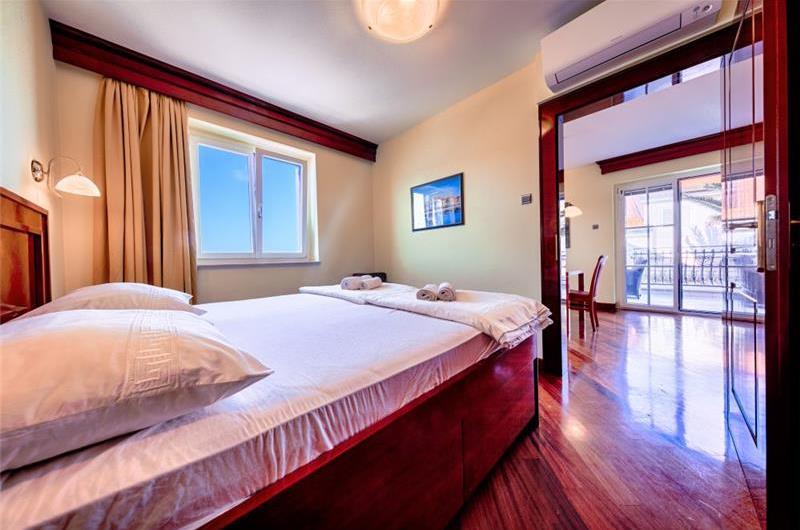9 Bedroom Seaside Villa with Terrace in Vis Town, Sleeps 18