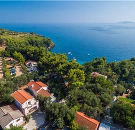 2 Bedroom Seaside Cottage near Orebic, Sleeps 4-5