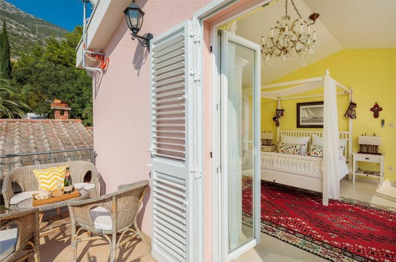 2 Bedroom Seaside Cottage near Orebic, Sleeps 4-5