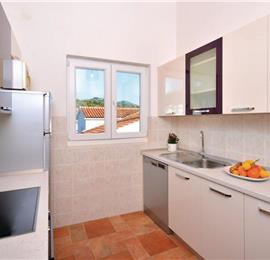 3 Bedroom Apartment with Balcony and Sea View in Hvar, Sleeps 5