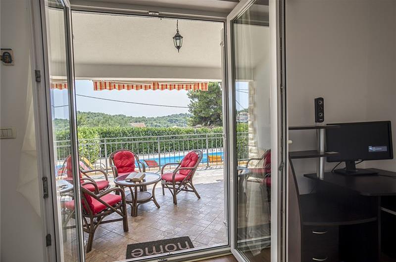3 Bedroom House with Pool on Solta, Sleeps 6