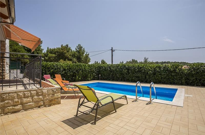 3 Bedroom House with Pool on Solta, Sleeps 6