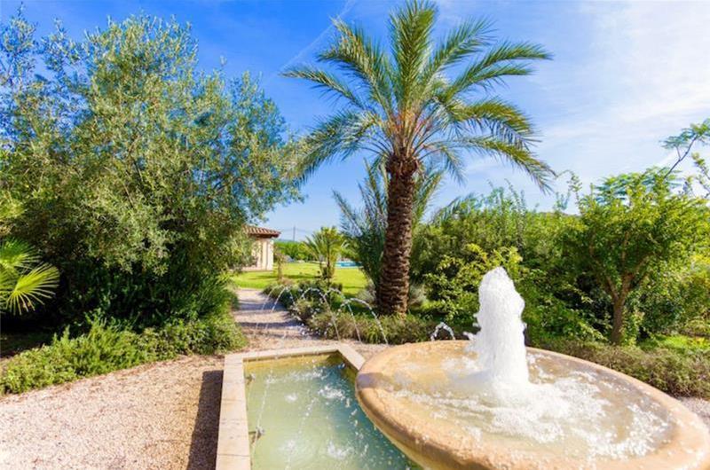 3 Bedroom Villa with Pool near Pollensa, Sleeps 6