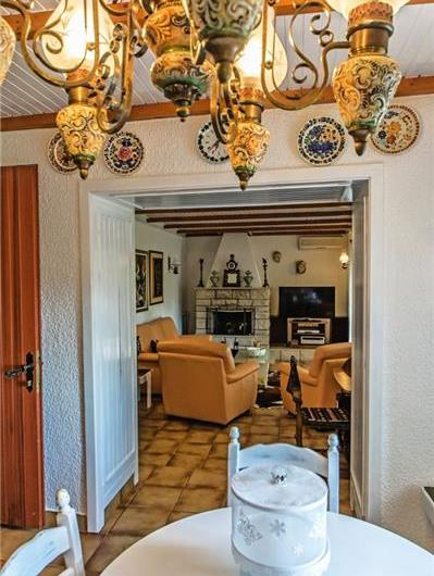3 Bedroom Villa with Pool in Zrnovnica nr Split, Sleeps 6-8