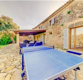 4 Bedroom villa with pool near Pollensa, sleeps 8