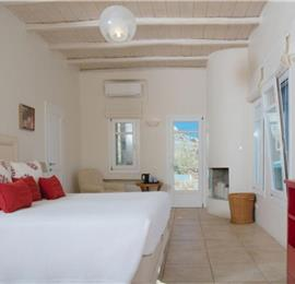 7 Bedroom Villa with Infinity Pool near Lia Beach on Mykonos, Sleeps 14