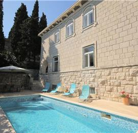 5 bedroom Villa with Pool in Split City, Sleeps 10