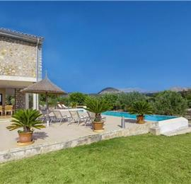 5 Bedroom Villa with Pool near Pollensa, Sleeps 10