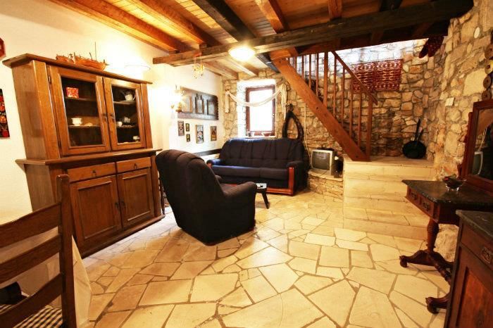 1 bedroom Cottage in Splitska on Brac, sleeps 2-4