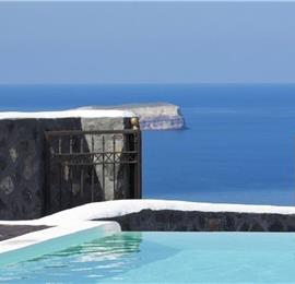 2 Bedroom Villa with Pool in Megalochori on Santorini, Sleeps 4