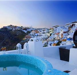 3 Bedroom Villa with Jacuzzi in Fira on Santorini, Sleeps 6