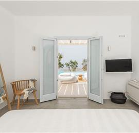 1 Bedroom Villa with Infinity Pool in Pyrgos Kalistis on Santorini, Sleeps 2