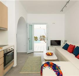 Collection of 4 x 1 Bedroom Villas with Infinity Pools and Jacuzzis in Pyrgos Kalistis on Santorini, Sleeps 8
