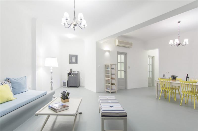 3 Bedroom Villa with Pool in Akrotiri on Santorini, Sleeps 6