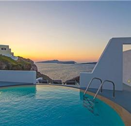 3 Bedroom Villa with Pool in Akrotiri on Santorini, Sleeps 6