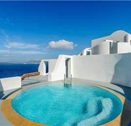 2 Bedroom Villa with Pool in Akrotiri on Santorini, Sleeps 4