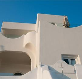 4 Bedroom Villa with Jacuzzi in Imerovigli on Santorini, Sleeps 8