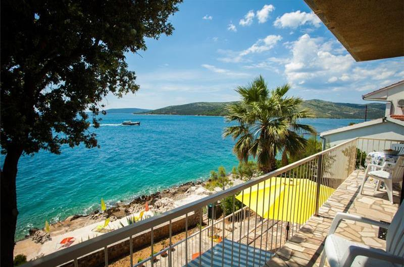 3 Bedroom Apartment in Seget Vranjica nr Trogir, Sleeps 4