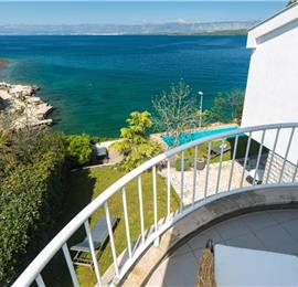 5 Bedroom Villa with Pool, Balcony and Sea Views near Malinska, Sleeps 10-11