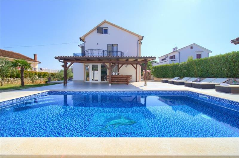 4 Bedroom Villa with Pool and Terrace near Malinska, Sleeps 8-10