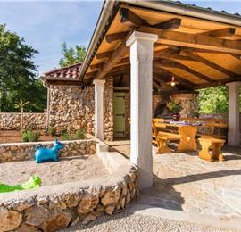 5 Bedroom Villa with Pool and Countryside Views near Malinska, Sleeps 10-11