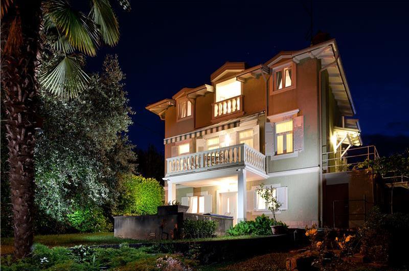 4 Bedroom Villa with Pool, Sauna and Sea View near Lovran, Sleeps 8