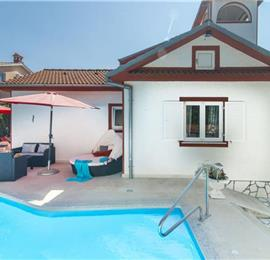 4 Bedroom Villa with Pool and Annex near Porec, Sleeps 8-9