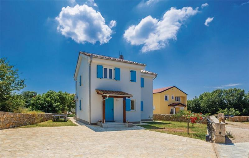 3 Bedroom Villa with Pool near Malinska, Sleeps 6