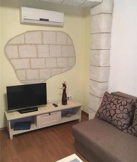 1 Bedroom Apartment in Trogir Old Town, Sleeps 2-4