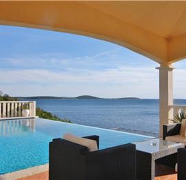 3 Bedroom Villa in Uvala Ljubljeva  near Trogir, Sleeps 7