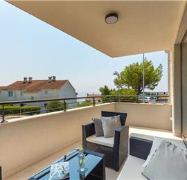 3 Bedroom Apartment with Balcony near Lapad Bay, Sleeps 4-6