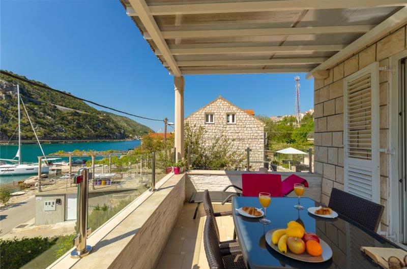 4 Bedroom Apartment with Balcony in Mokosica near Dubrovnik City, Sleeps 8