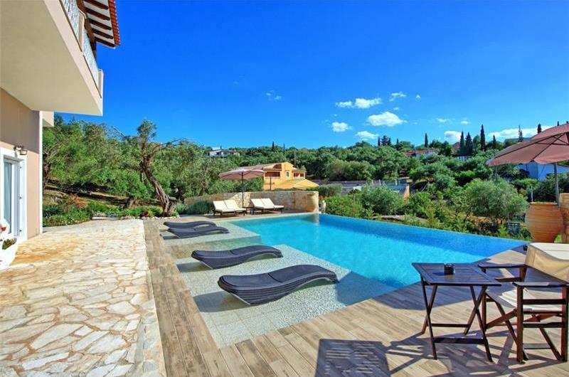 4 Bedroom Villa with Pool and Sea Views in Karniaris on Corfu, Sleeps 8-12