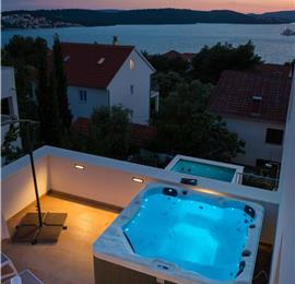 3 Bedroom Villa with Pool and Sea View on Ciovo Island near Trogir, Sleeps 6-8