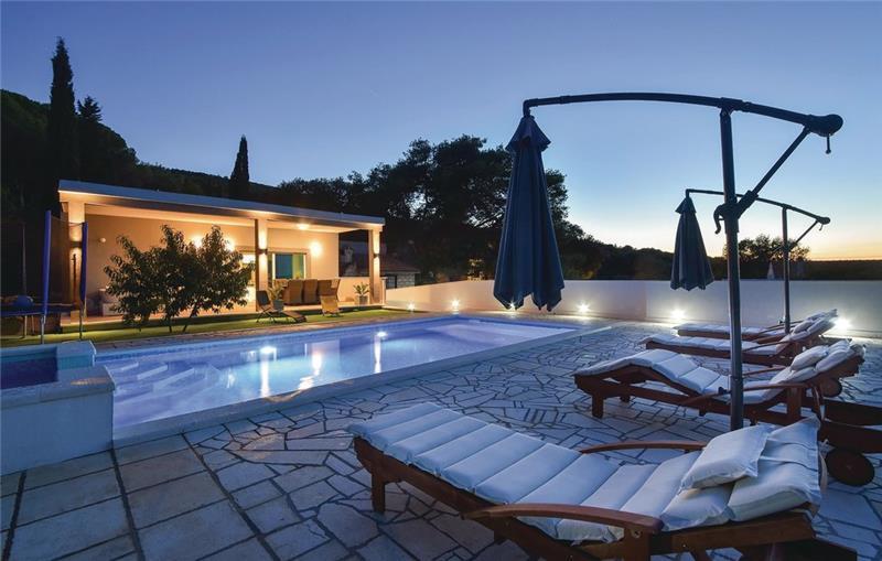 2 Bedroom Villa with Pool near Jelsa, Hvar Island, Sleeps 4-6