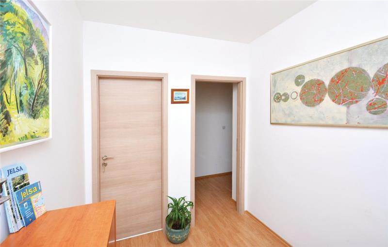 1 Bedroom Apartment with Sea view near Jelsa, Hvar Island, Sleeps 2-3