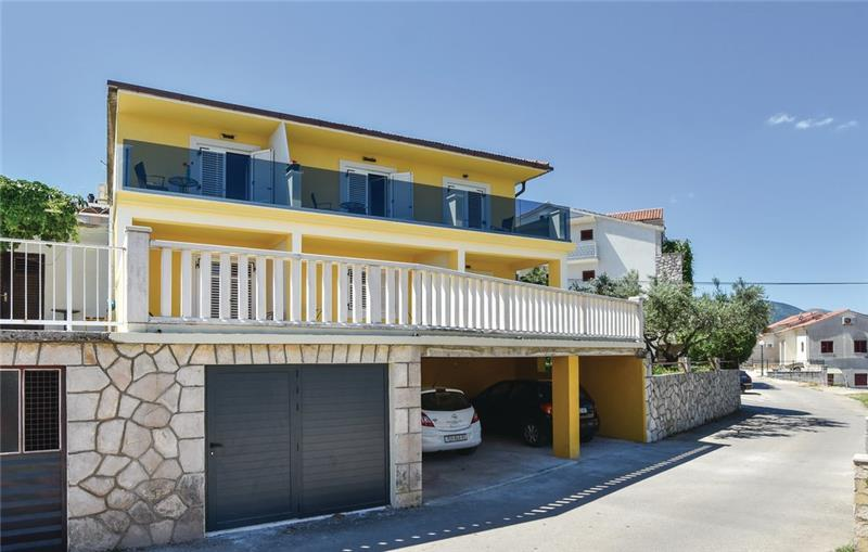 1 Bedroom Apartment with Sea view near Jelsa, Hvar Island, Sleeps 2-3