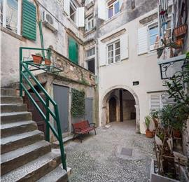 Studio Apartment in Trogir Old Town, Sleeps 2