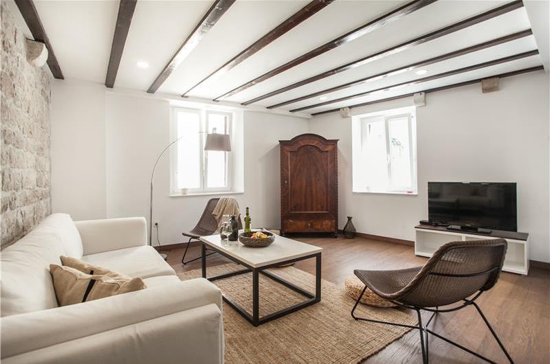 3 Bedroom Villa with Terrace on Ciovo Island near Trogir, Sleeps 6-8