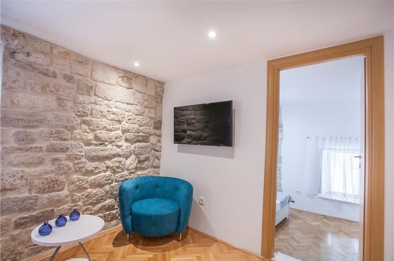 1 Bedroom Split-Level Apartment with Balcony in Trogir Old Town, Sleeps 2-4