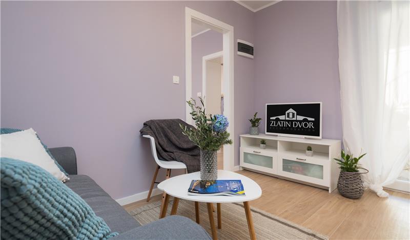 4 Bedroom Townhouse with Shared Terrace on Ciovo Island near Trogir, Sleeps 8
