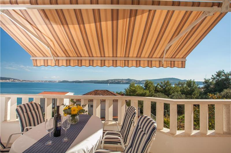 A Selection of 4x 1-Bedroom Apartments and 4x Studio Apartments near Trogir, Sleeps 2-3