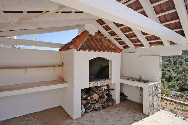 3 Bedroom Seaside Villa with Heated Pool nr Trogir, Sleeps 6-7